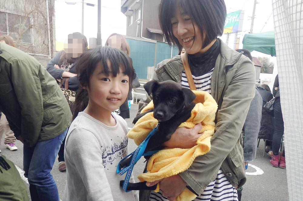 ボイス卒業犬と里親さん一家